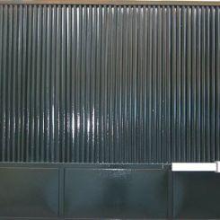 puerta-abatible-zocalo-chapa-lisa-lamas-z-por-dentro