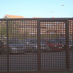 puerta-corredera-metalica-de-chapa-perforada-2