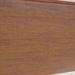 puerta-corredera-panel-imitacion-madera