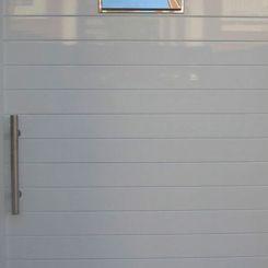 puerta-peatonal-aluminio-con-buzon