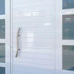 puerta-peatonal-de-aluminio-soldado-con-fijos