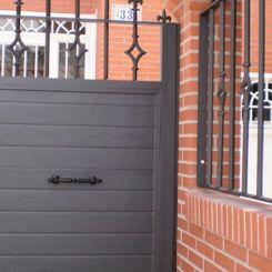 puerta-peatonal-de-panel