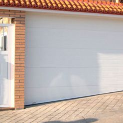 puerta-seccional-acanalado-con-dintel-acristalado