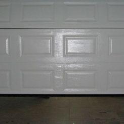 puerta-seccional-cuarteron-blanca-abriendo